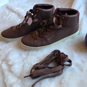 Skechers Street Burgundy High Top Sneaker EUC